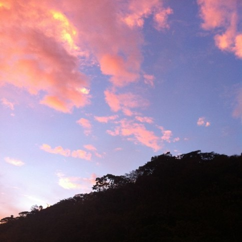 katieblanc The bluest sky I've seen. Picture does no justice. #nofilter#costarica #uga #ugacostarica#puravida #blue #sky