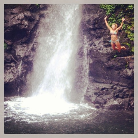 christindotcom #tbt COSTA RICA 😜 #sofun#waterfalljump #rafting#adventure #jungle#ugacostarica #studyabroad#crazy #memories
